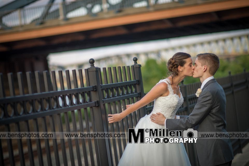 Pittsburgh Weddingphotography at Station square
